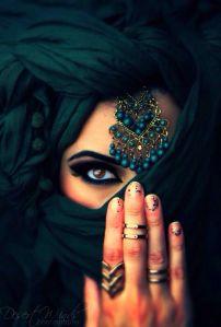 niqab model